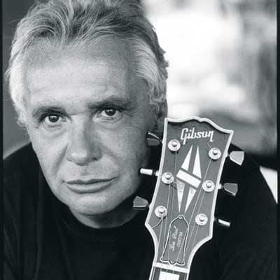 Michel Sardou et sa guitare