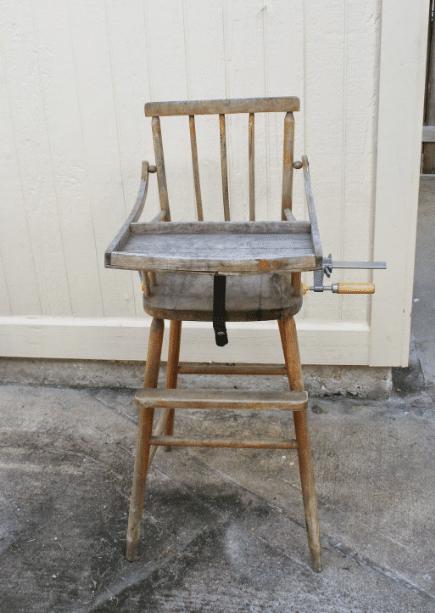 vieille chaise haute