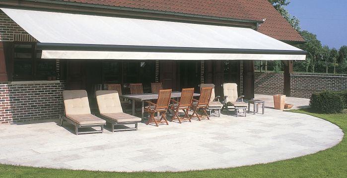 Les stores, la solution pour avoir de l'ombre sur votre terrasse