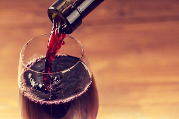 Le vin nous aide à perdre du poids