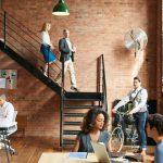 Peut-on travailler librement sans s'isoler socialement ?